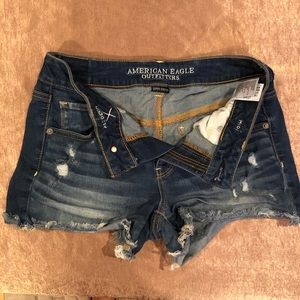 AE Stretchy Jean Shorts - Fits like an 8!